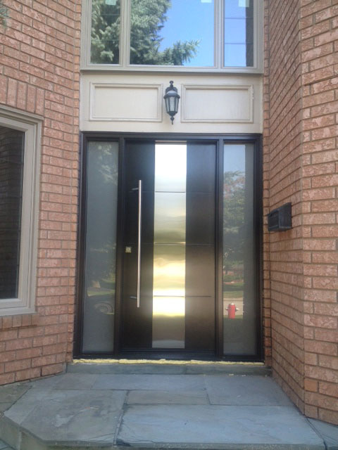 contemporary front entry single door with 2 side lites by modern doors