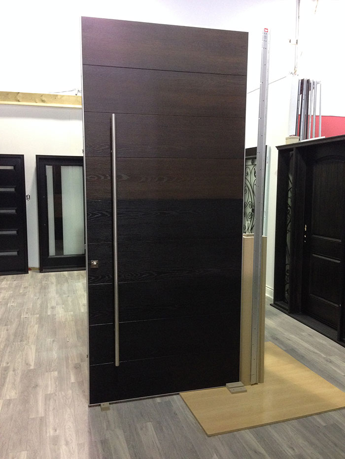 Biggest door in north america by giant door manufacturers inc for Door manufacturers