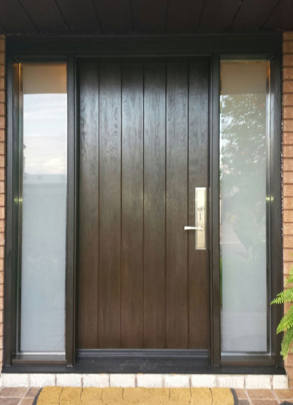 Single Fiberglass Rustic Door With 2 Frosted Side Lites