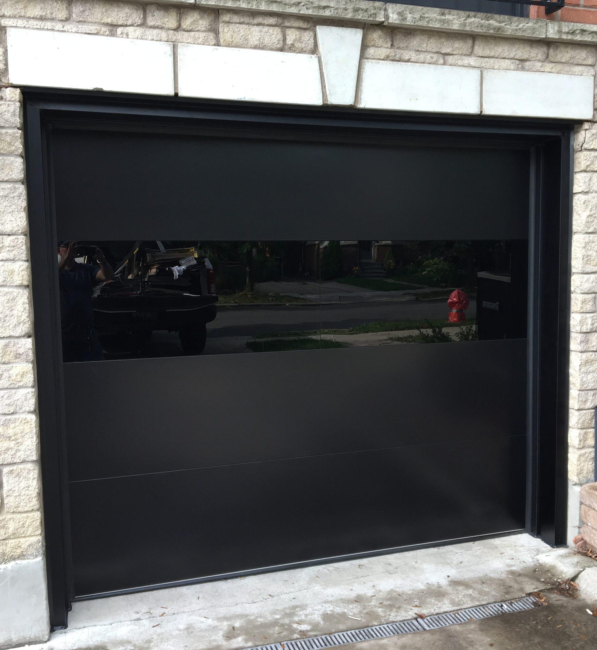 Modern Glass Exterior | Garage Door