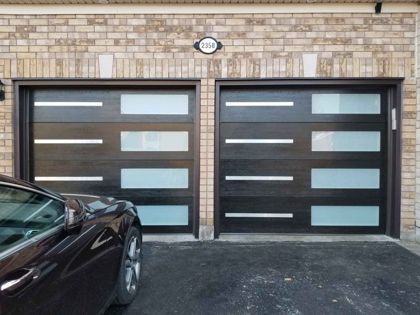 Modern Garage Doors |Stainless Steel | Glass Strip