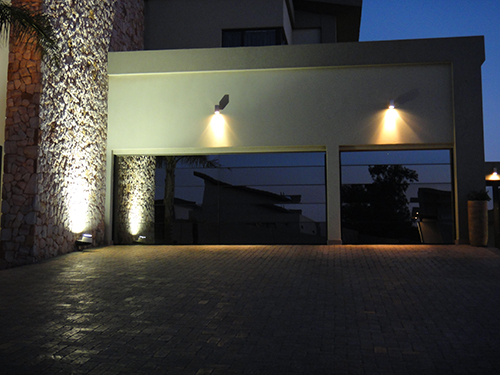 Custom_Modern__Aluminum_frame_with_mirror_glazing_garage_Doors.