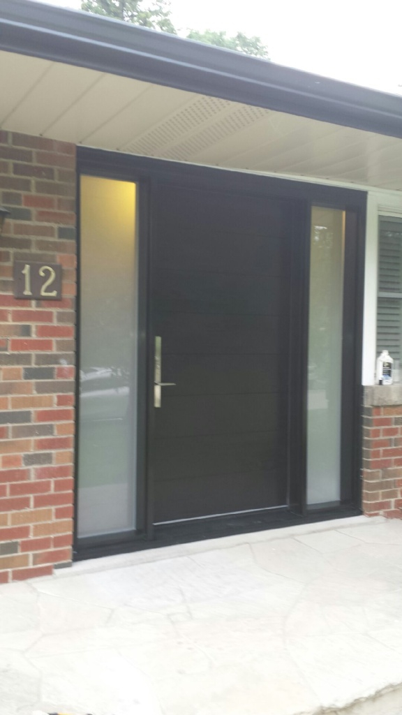 Fiberglass Modern Door with Vertical Lines and 2 Side Lites Installed in Toronto by Modern Doors