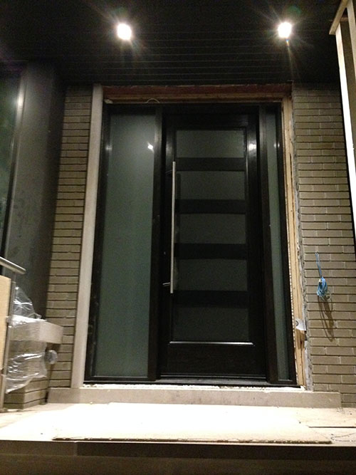 Modern Contemporary Front Entry Fiberglass Door with 2 Side Lites and multi Point Locks installed by modern-doors.ca-Picture#MED130