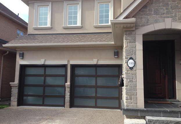 Modern-Garage Doors-Contemporary Garage Doors- Aliminum Garage Doors with Door Lites installed in Toronto by modern-doors.ca