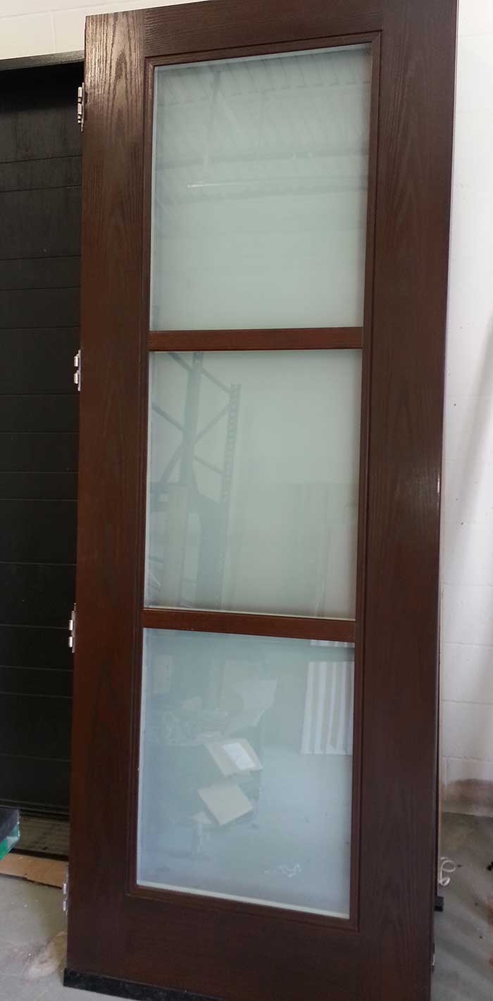 Modern Woodgrain Fiberglass Exterior Door with Frosted Door Lites